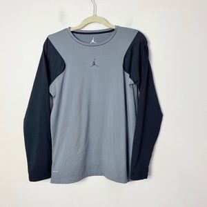 Nike Air Jordan dri-fit boy's long sleeve top XL